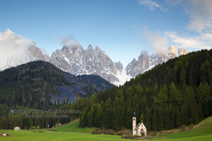 Chapel Val di Funne, Italy, dolomite mountains, olde range, south tyrol