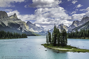 The Iconic Spirit Island in the heart of the Canadian Rockies of Jasper National Park. Spirit Island, Canada's Grand Prize